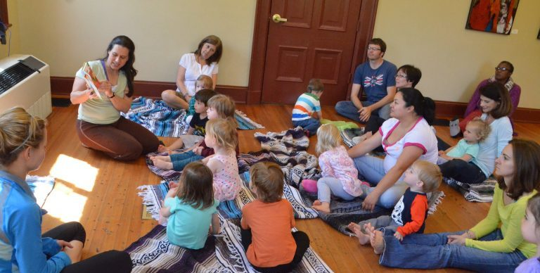 Storytime in Little Families Yoga 2-4 yrs)